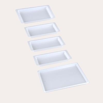 Plastiques Plateaux blanc non compartimentés - plusieurs tailles - carton x 400